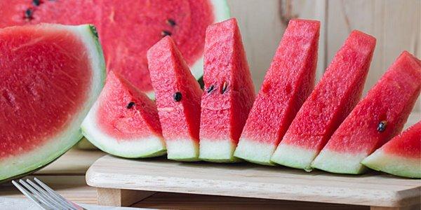 Ternyata Buah semangka Memilki Banyak Manfaat yang Takterduga