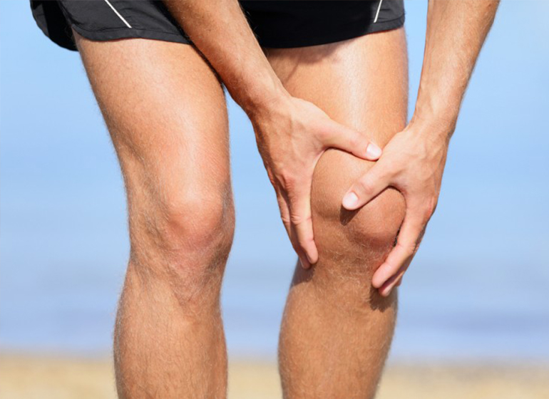 Fakta Harus Kamu Tahu! Mengapa Lutut Bisa Hitam Padahal Sudah Tertutup